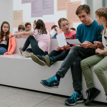 Schulkinder beim Kiez meets Museum Projekt der Stiftung Berliner Leben
